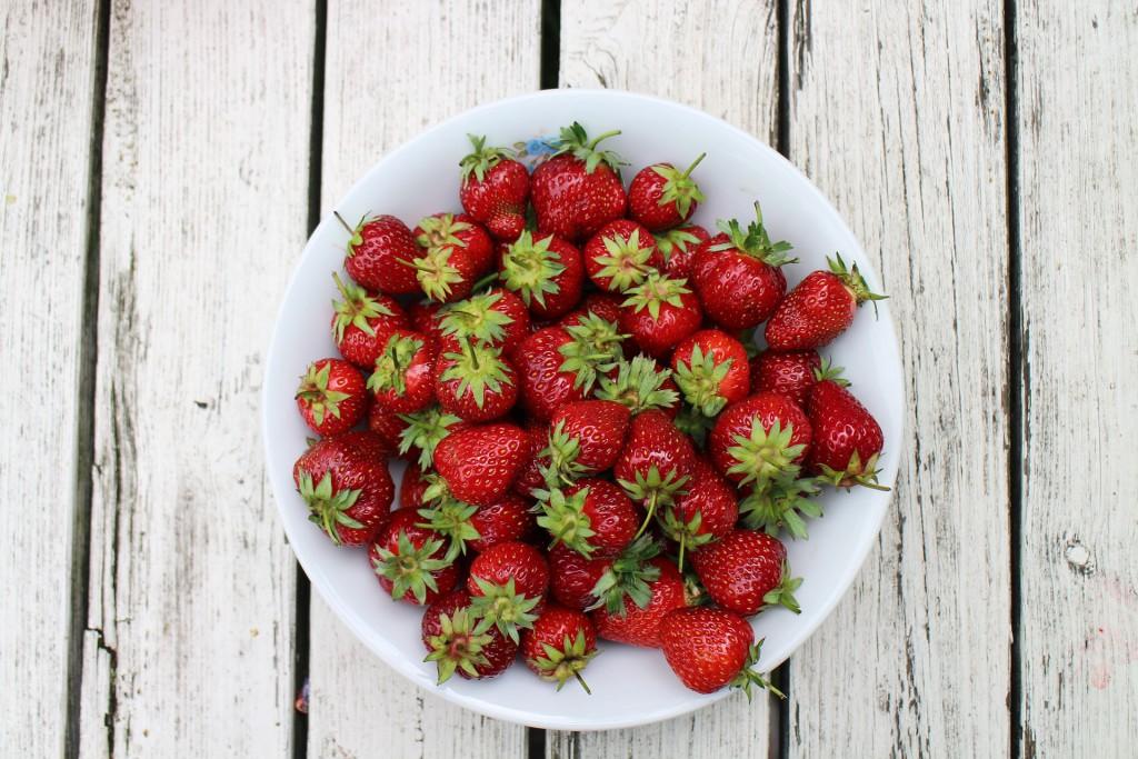 strawberries-986628_1920