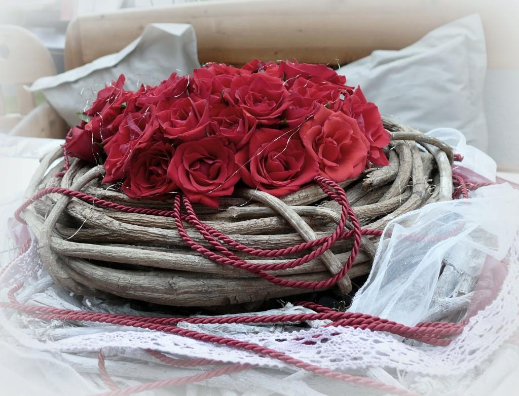 roses-493044_1920